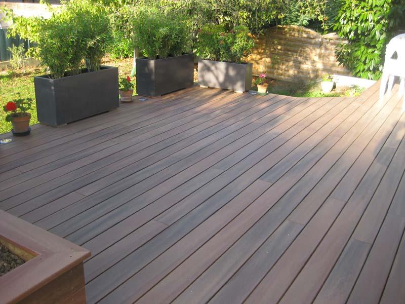 terrasse-abris-de-jardin-garde-corps-palissade-treillis-parquet-pergolas-entretien-du-bois-mobilier-exterieur-120